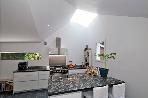 Interior, skylight in the kitchen (Photo: Ossip van Duivenbode)