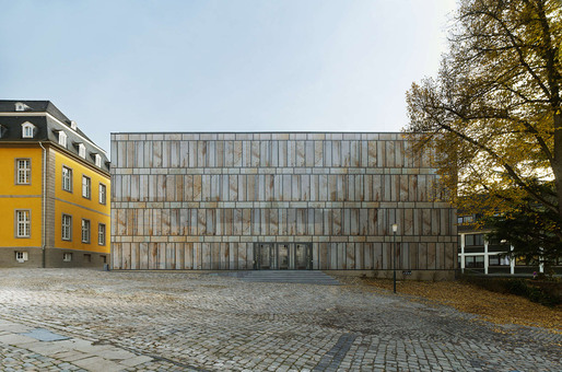 Main facade of the Folkwang Library from the courtyard (Photo: Stefan Müller)