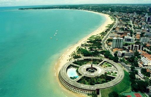 An aerial view of Bernardes's Hotel Tambau. (via theguardian.com; Photograph: 6D/Bernardes)
