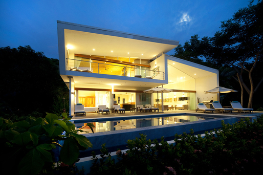 The White House of Playa Hermosa designed by Poirier Design.