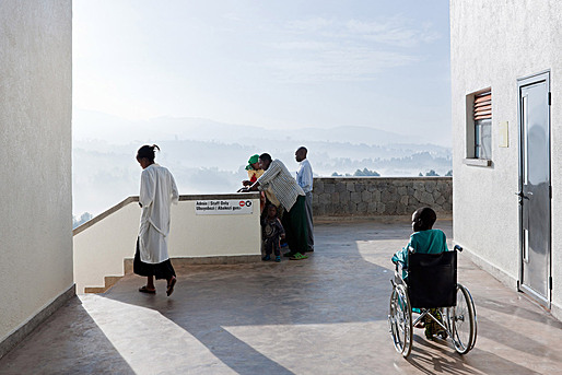 Ward balcony with view east to valley. (Photo: Iwan Baan)