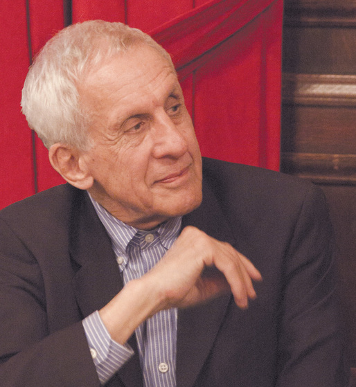 2013 laureate of Lisbon Triennale Lifetime Achievement Award: Kenneth Frampton