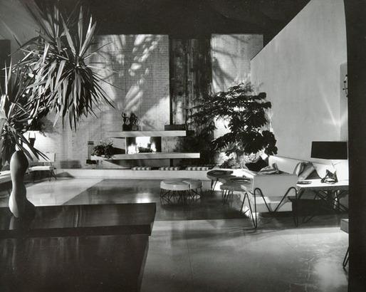 The Brody House, A. Quincy Jones, c. 1950. Photo by Julius Shulman
