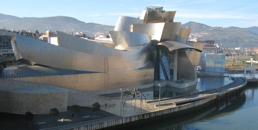 Gehry's Guggenheim Bilbao helped launch his career, and was also the first, major application of this team's pioneering technology. Credit: Wikipedia