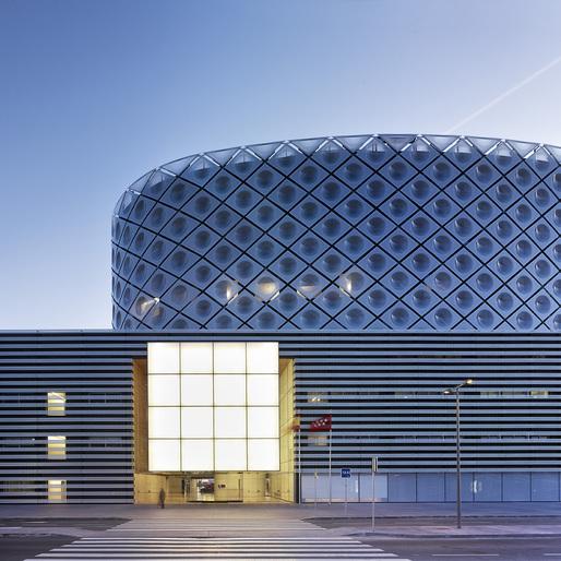 Rey Juan Carlos Hospital in Madrid, Spain by Rafael de la-Hoz Arquitectos; Photo: Duccio Malagamba