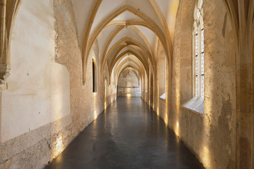 Cloister/foyer. Photo by Miran Kambič
