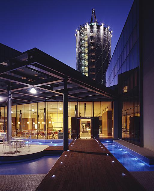 T hotel cagliari sardinia it studio marco piva for Hotel sardegna cagliari