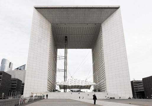 La Grande Arche de la Défense (Paris 2011) © Simon Gardiner