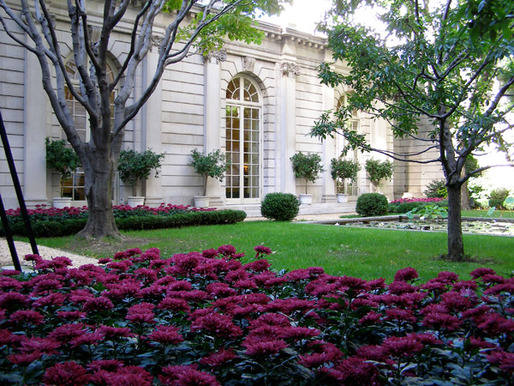 The much treasured East 70th Street Garden, designed by British landscape architect Russell Page, is no longer up for destruction. (Photo: Henk van der Eijk; via The Cultural Landscape Foundation)