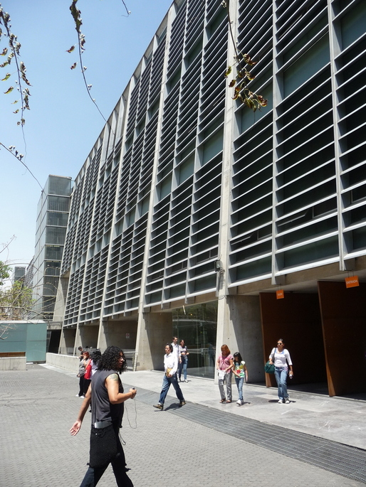 The Hanging Library Of Mexico City Blogs Archinect