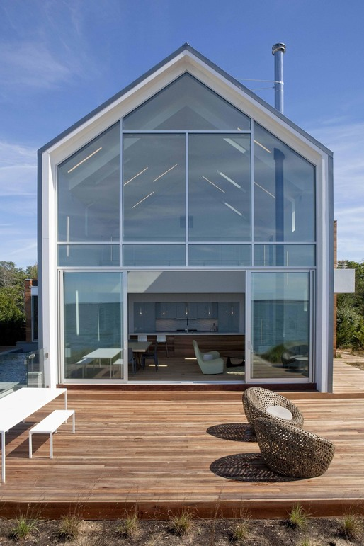 Peconic Breeze by Naiztat + Ham Architects. Photo: Spiegler Wong Photography.