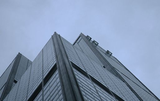 Close-up of the Willis Tower facade and its glass bottom skyboxes at the 103rd floor. (Photo: Daniel Schwen/Wikipedia)