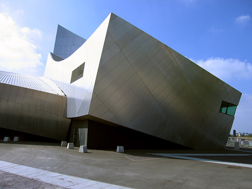 The Imperial War Museum North designed by Daniel Libeskind. Credit: Wikipedia