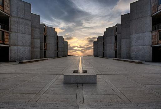 Salk Institute for Biological Studies courtyard. Image courtesy of Joe Belcovson for the Salk Institute of Biological Studies