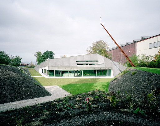 Exterior view (Photo: David Schreyer)
