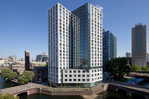 Housing Block 'De Witte Keizer,' architect: KCAP, 2001-2006, Rotterdam © Ossip van Duivenbode