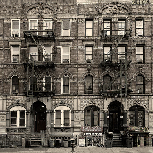 Physical Graffiti (96-98 St. Marks Place, New York 2010) © Simon Gardiner