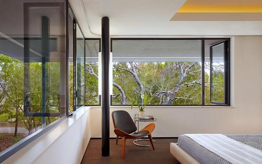 House in Trees by Tim Cuppett Architects. Photo by Dror Baldinger