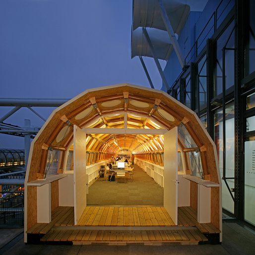 Shigeru Ban's Paper Temporary Studio, 2004, Paris, France. Photo by Didier Boy dela Tour.