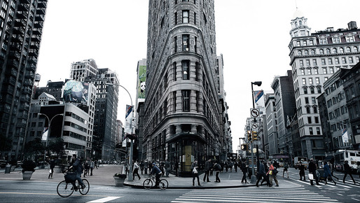 Ironside NY Blue (The Flatiron building, New York 2010) © Simon Gardiner