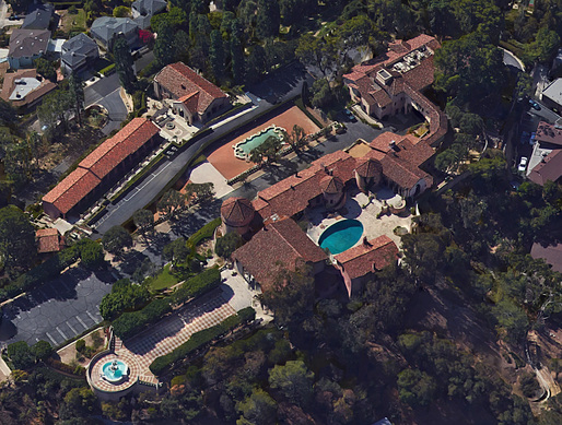 Aerial view of the not entirely unimpressive former convent in LA's upscale Los Feliz neighborhood. The sale of the property to Katy Perry is currently causing an uproar - no pun intended. (Image via Google Earth)