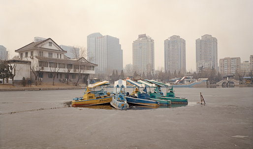 Chinese Fun: Photographer Stefano Cerio captures the eerie side of empty amusement parks