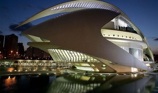 Valencia sues Santiago Calatrava as white elephants rot