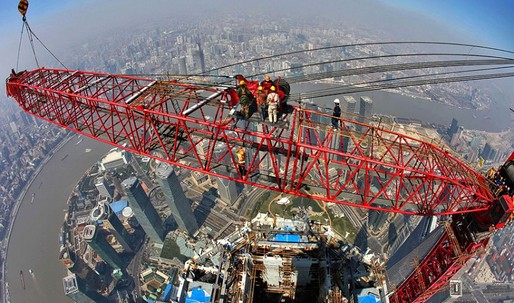 Cranes are dismantled from Chinas Shanghai Tower skyscraper