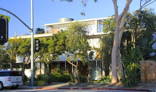 The Neutra VDL House Celebrates its National Historic Landmark Status
