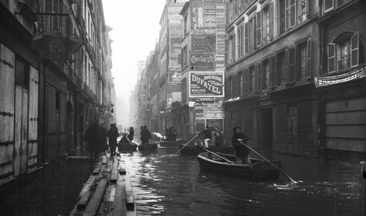 Louvre relocates artwork as the Seine floods