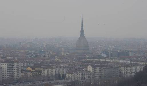 Reducing Turin's smog with free public transit