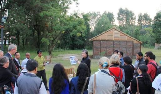 Shigeru Ban arrives in Ecuador to train locals in relief architecture
