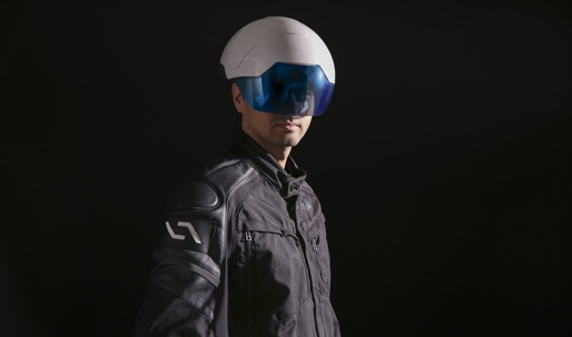 This augmented reality helmet could revolutionize the construction site