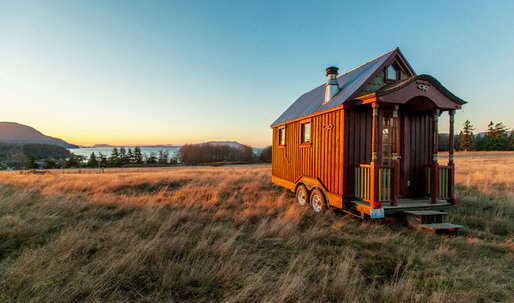 "Interview with Zack Giffin, host of TV show ""Tiny House Nation"""