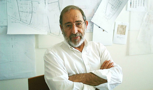 Álvaro Siza Vieira Honored with Golden Lion for Lifetime Achievement