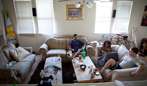 Homework and Jacuzzis as Dorms Move to McMansions in California