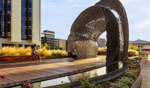 """Ball-Nogues Studio revives public space at Cedars Sinai hospital with their """"Healing Pavilion"""""""