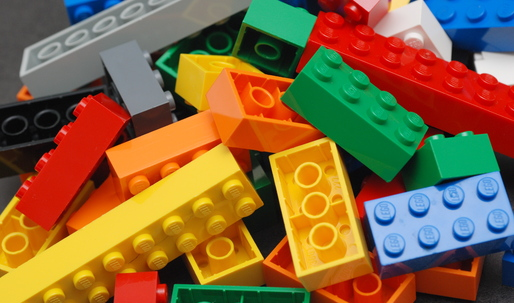 Lego to ditch oil-based plastic