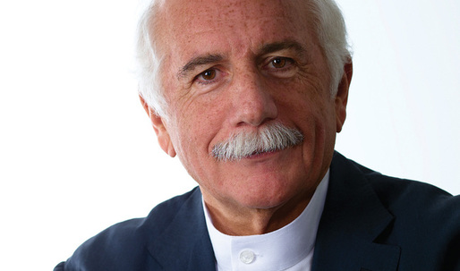 Moshe Safdie warns architects against the seduction of computers in design
