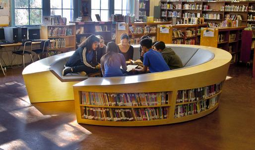 "Does architectural education ""brainwash"" students? Nikos A. Salingaros thinks so"