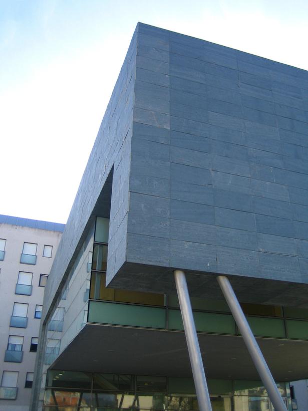 Regional Center. Caldas de Reis (Pontevedra), Spain. NAOS ARCHITECTURE