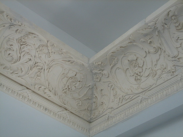 Plaster detail in the living room