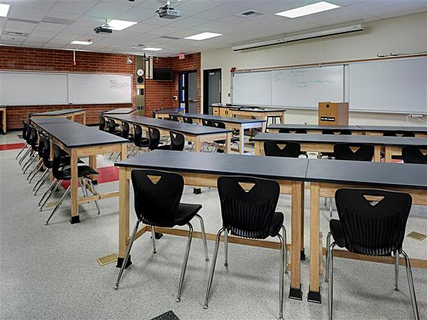 Modernized Physics Lab Classroom