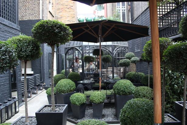 Blakes Courtyard