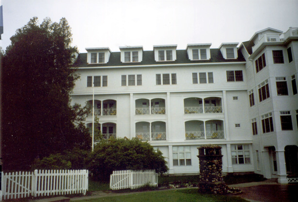 Grand Hotel - West Wing Addition (Image: N. Stanton)
