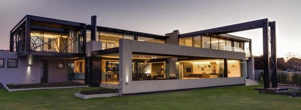House Ber: exterior.