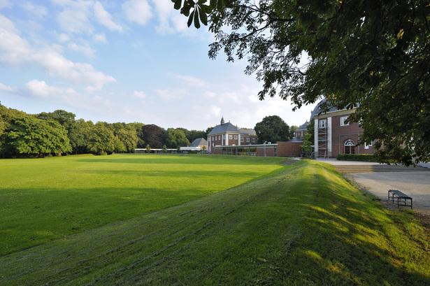 Hageveld Estate school grounds