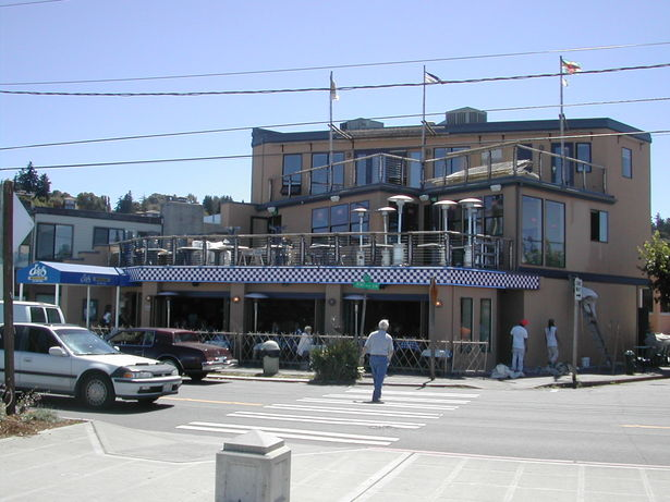 Mixed use restaurant and dwelling