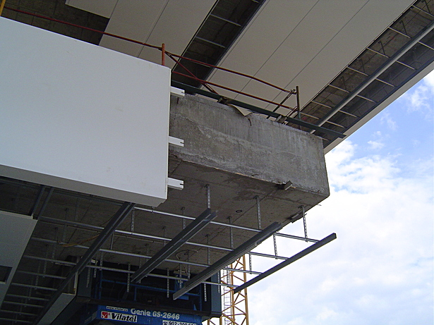 Slab's cladding detail on site