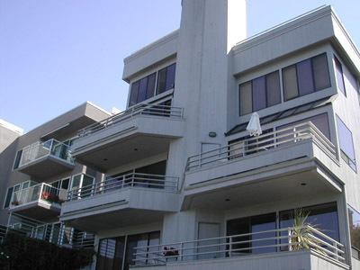 4 unit-2 floor units - steep site